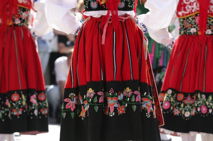 'Tardes de Domingo' leva folclore ao Parque da Ponte