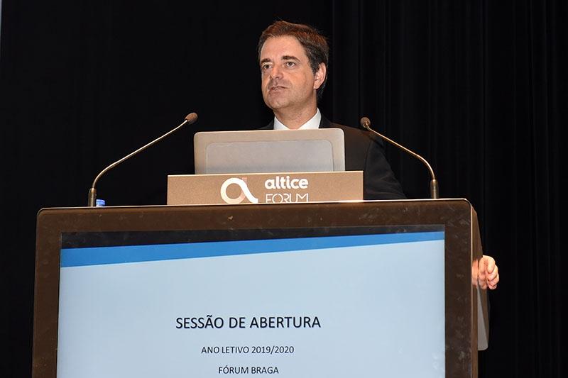 Braga avança com novo concurso para assistentes operacionais nas escolas