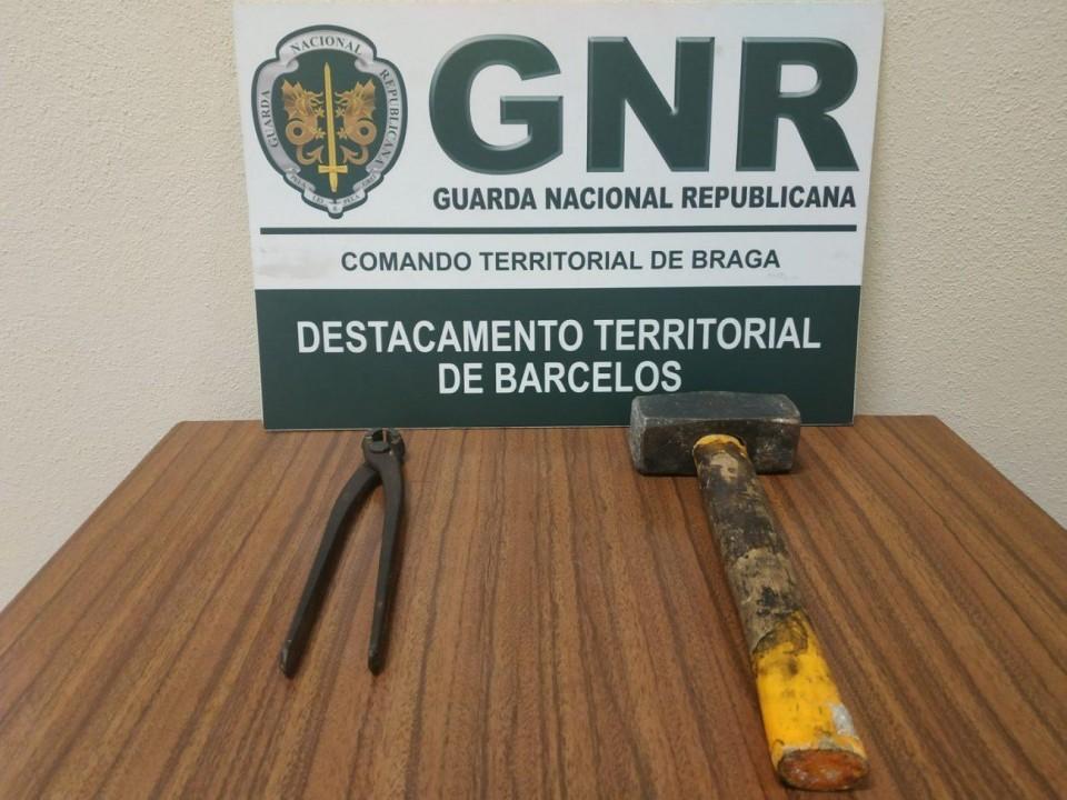 GNR de Barcelos 'apanha' quatro jovens por furto de esmolas