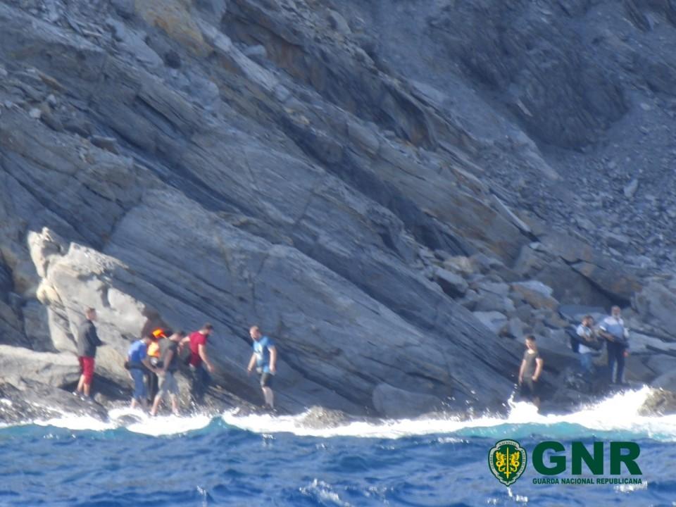 GNR detecta 9 migrantes encurralados na ilha grega de Inousses