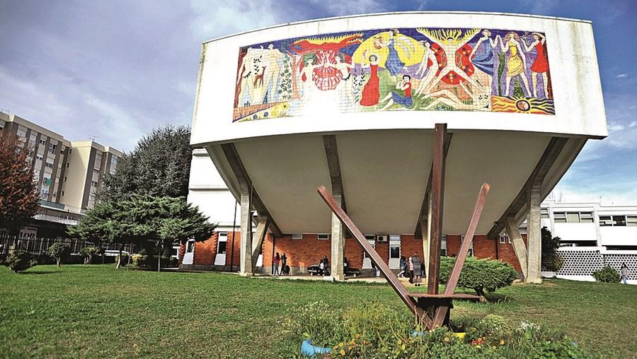 Escola Gulbenkian de Braga adia início das aulas por falta de funcionários