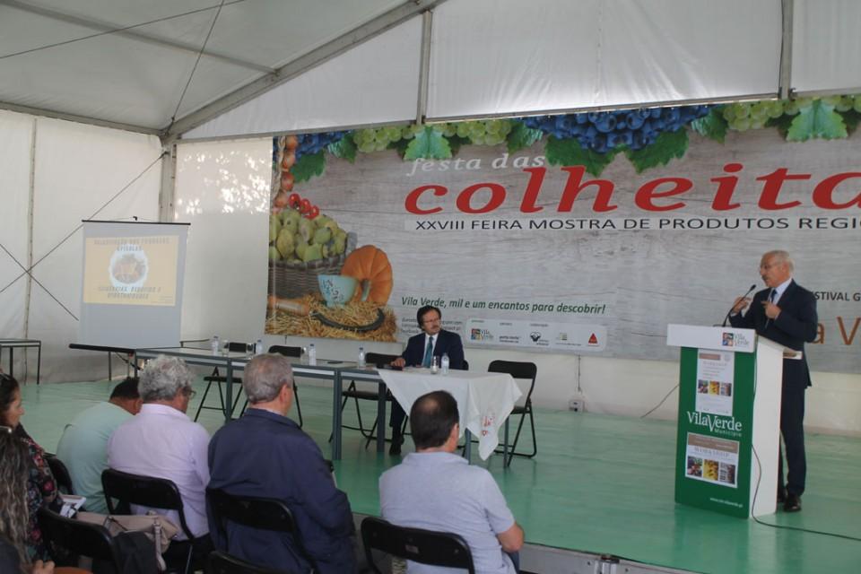 FESTA DAS COLHEITAS: Apicultura é sector em crescimento mas precisa de organização