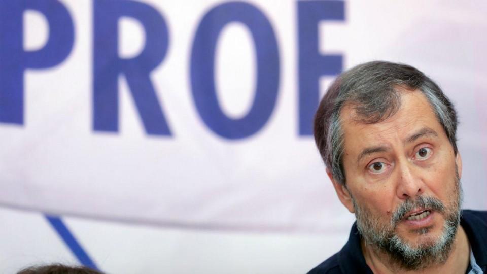 """Mário Nogueira não quer actual ministro da Educação que acusa de """"estoirar"""" com prof's"""