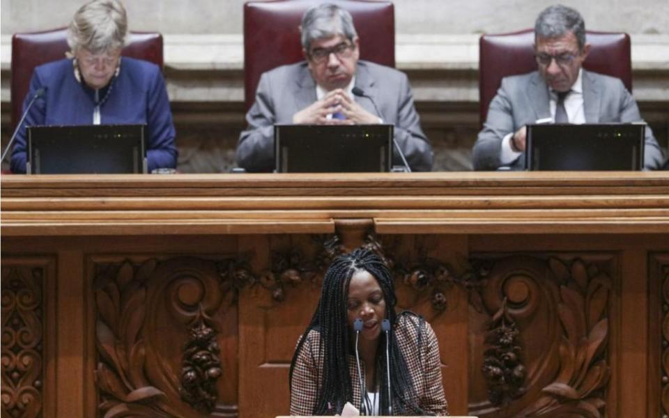 PS propõe um minuto de intervenção para deputados únicos em debates