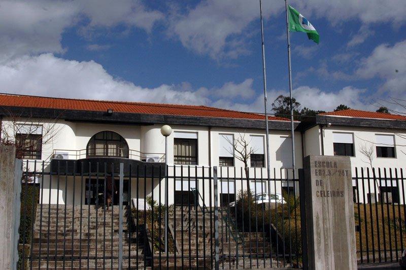 Professor que se envolveu com aluna em escola de Braga condenado a três anos de prisão e oito mil euros de indemnização