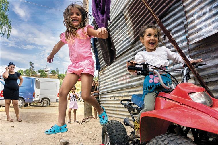 Governo copia plano para acabar com abandono escolar de crianças ciganas aplicado em Vila Verde a todo o país