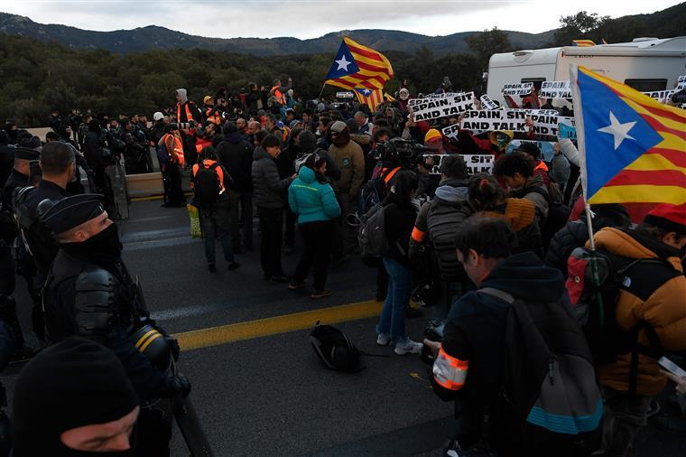 Espanha - Generalitat apela a Portugal: falem com Sánchez para haver diálogo