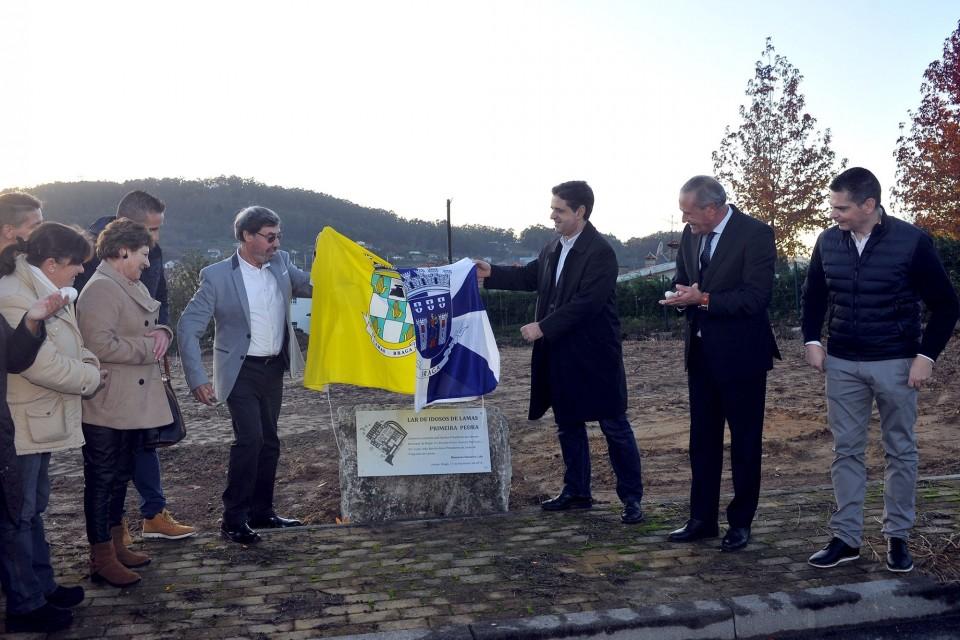 Ricardo Rio lança primeira pedra do lar de idosos de Lamas