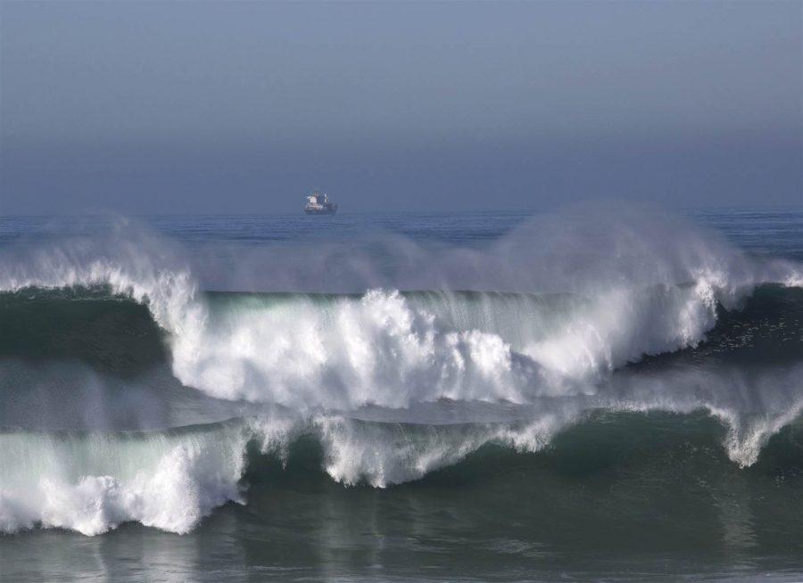 Aviso Vermelho. Ondas até 15 metros nas costas de Esposende e Viana de Castelo