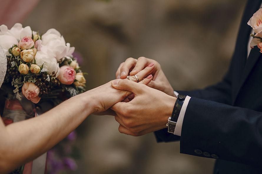 Casamentos aumentaram e divórcios diminuíram em 2018