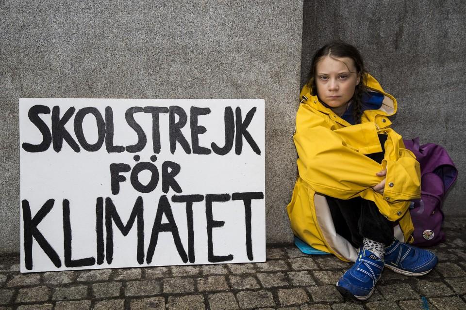 Greta Thunberg convidada a deslocar-se a Portugal por proposta do bloquista José Maria Cardoso