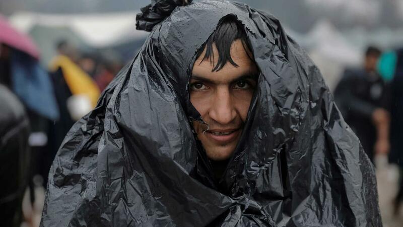 Crise humanitária à vista nos campos de migrantes na Bósnia