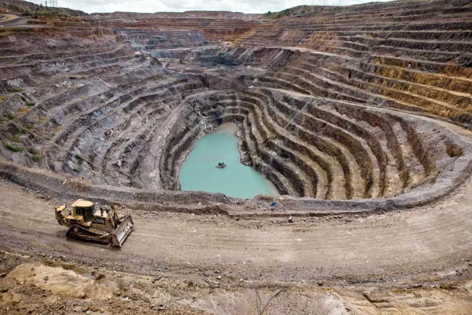 """Ministro do Ambiente afirma que processo do lítio em Montalegre é """"cristalino"""""""