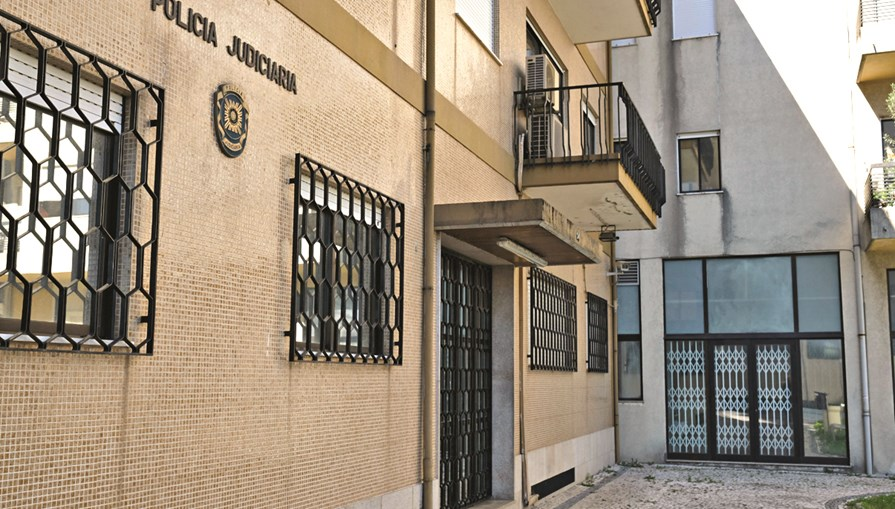 PJ/Braga deteve quatro homens suspeitos de cinco roubos à mão armada e de tráfico