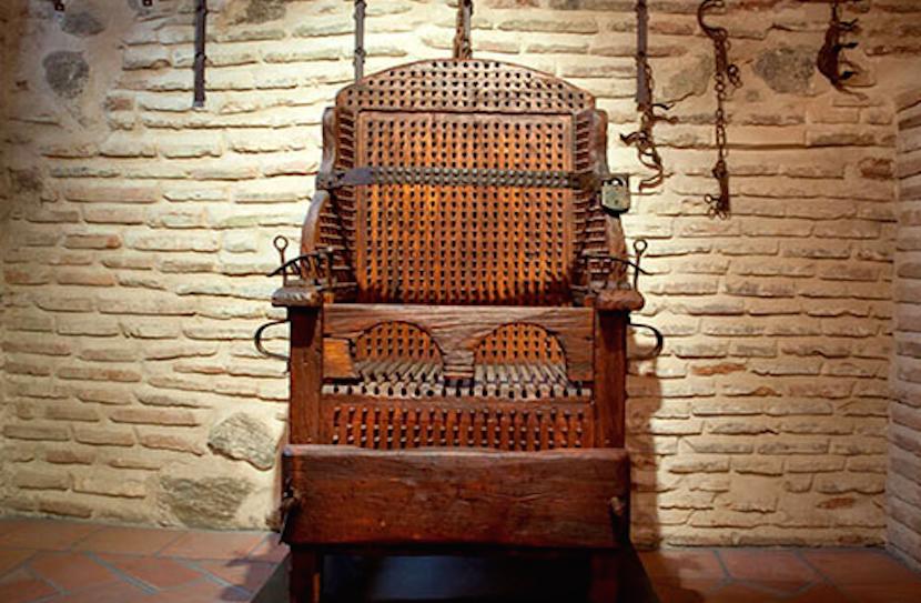 GUIMARÃES - Paços dos Duques de Bragança mostra 'Antigos Instrumentos de Tortura' (até 8 JAN)