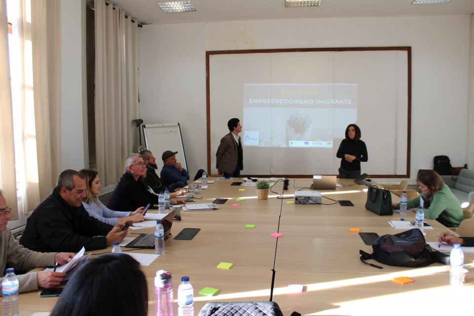 Imigrantes e entidades de Braga reúnem para falar de empreendedorismo