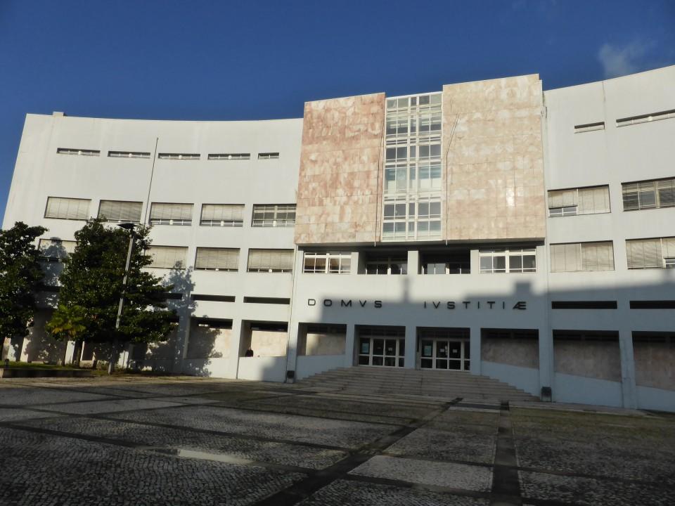 Tribunal voltou a adiar sentença de homem de Vila Verde julgado por violência doméstica