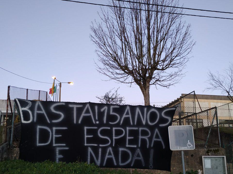 MESA junta-se a protesto em escola de Barcelos onde alunos recusam usar casas de banho