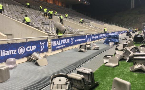 Cerca de 700 cadeiras partidas no Vitória-FC Porto
