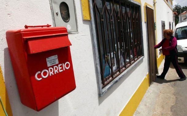 Carteiro acusado de violar cartas e furtar e usar cartões de crédito em Barcelos