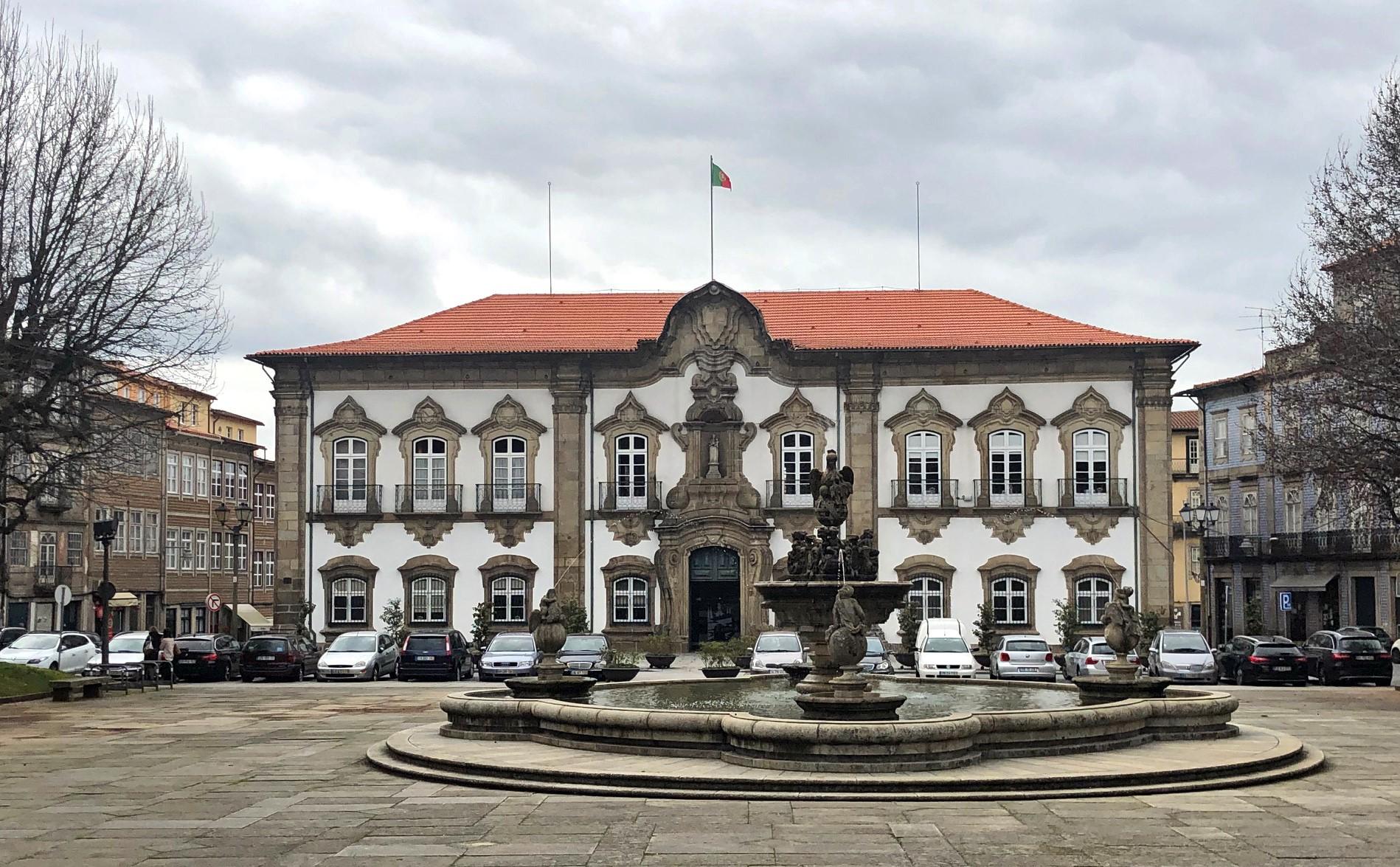 Executivo municipal de Braga reúne este segunda-feira por videoconferência