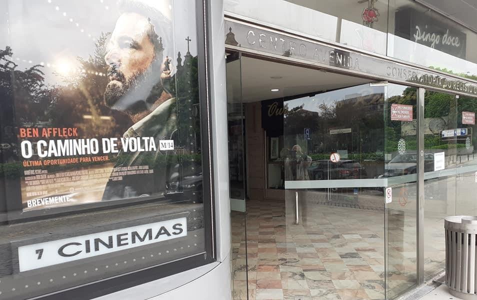 """""""Aqui dentro até se ouvem os passarinhos"""". Pequenos centros comerciais de Braga desesperam por reabrir"""