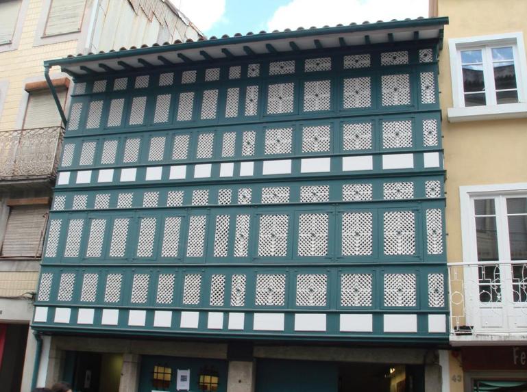 Braga. Galeria Casa dos Crivos reabre dia 5 com 'Mostra em Três Actos' (até 5 JUL)