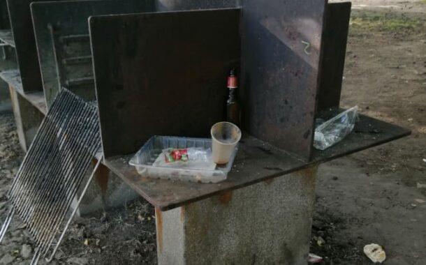 Domingo de calor deixa praia de Adaúfe e Bom Jesus com lixo e marcas de vandalismo (c/vídeos)