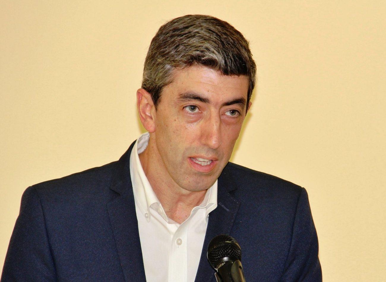 """Amares. """"Apoiar as empresas e comerciantes não passa por distribuir cartazes porta a porta"""", diz Pedro Costa"""