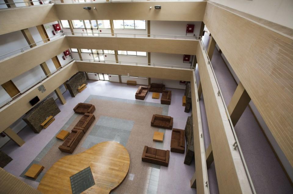 BE acusa Universidade do Minho de cobrar residências fechadas