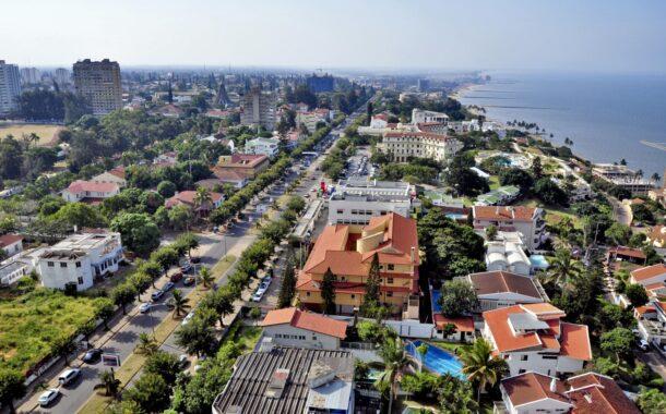 Portugueses em Moçambique desesperam por repatriamento. Governo aguada 'luz verde' para voo