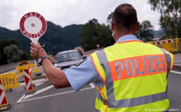 """Bruxelas quer fronteiras abertas """"tão cedo quanto possível"""". Mas admite dificuldade em Portugal"""