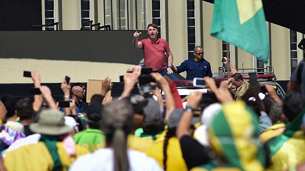 Justiça brasileira obriga Bolsonaro a usar máscara em espaços públicos