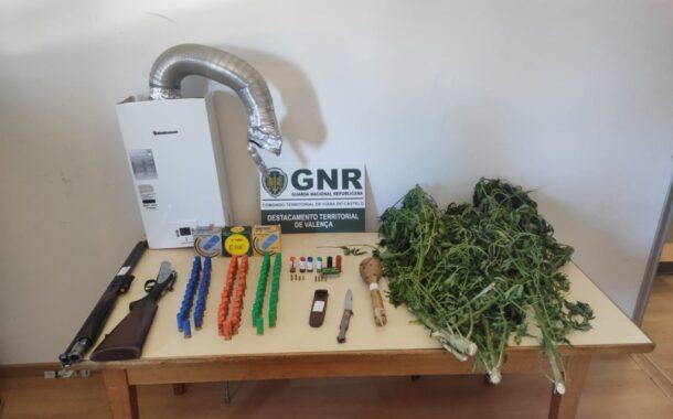 GNR deteve dois homens por tráfico de droga e posse de armas proibidas em Valença e Cerveira