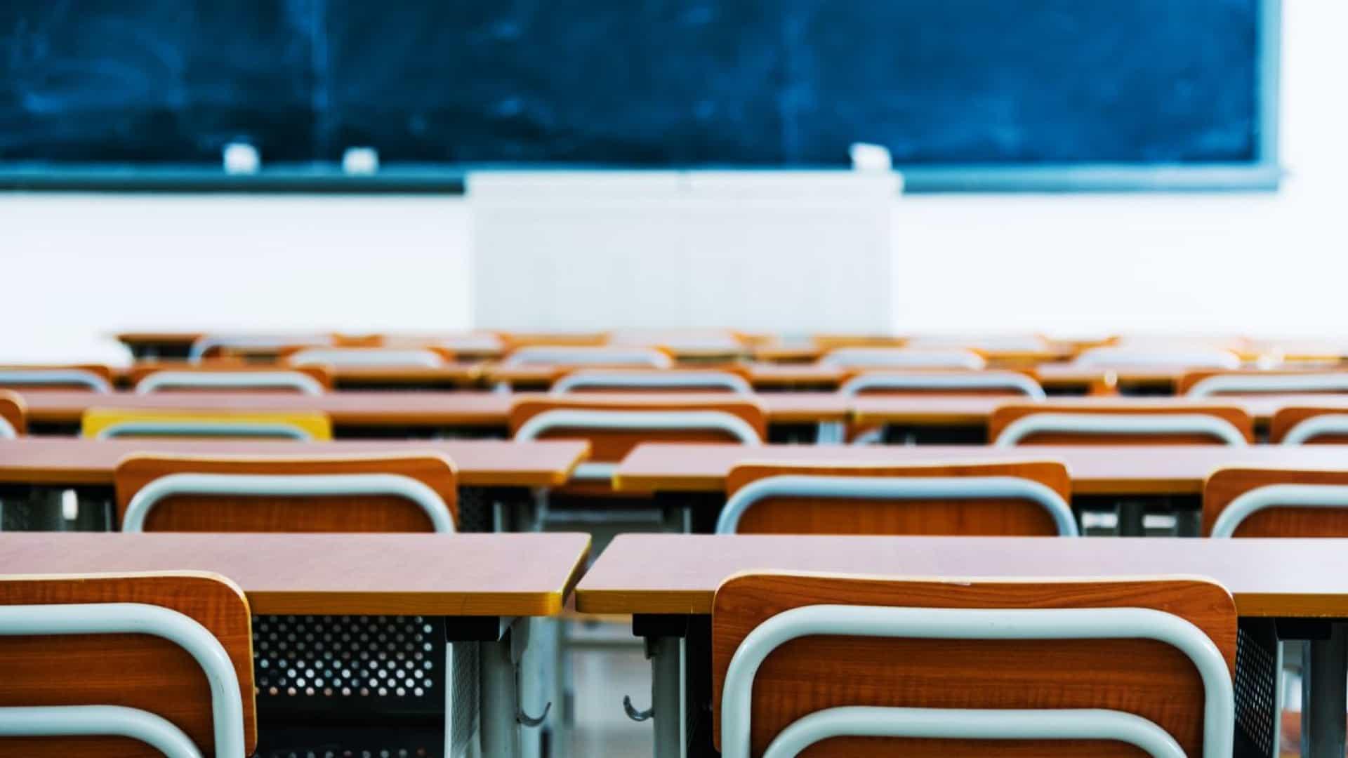 Pais e directores dividem-se sobre data do início do ano lectivo