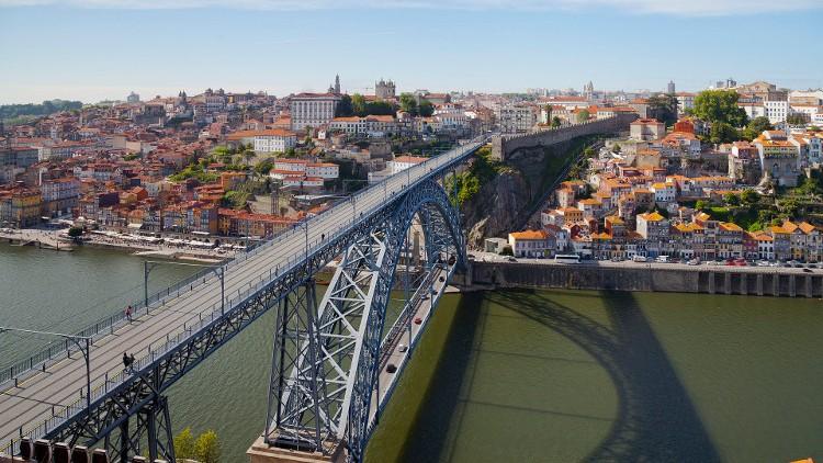 Ponte Luís encerrada e lojas fechadas mais cedo no S. João no Porto