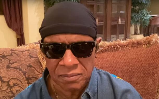 Stevie Wonder diz que vê melhor que Trump (c/vídeo)