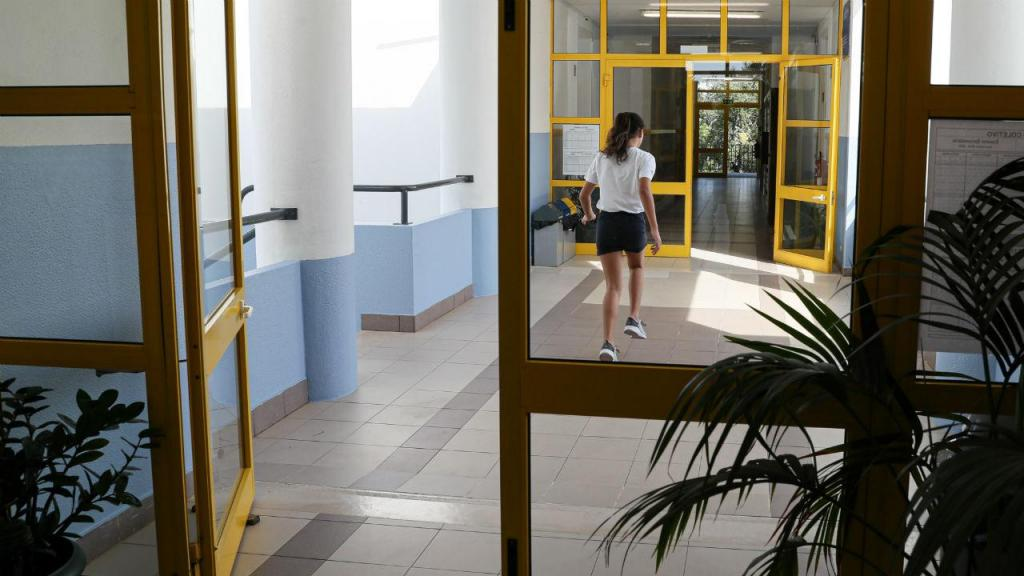Renovação automática das matrículas para a maioria dos alunos