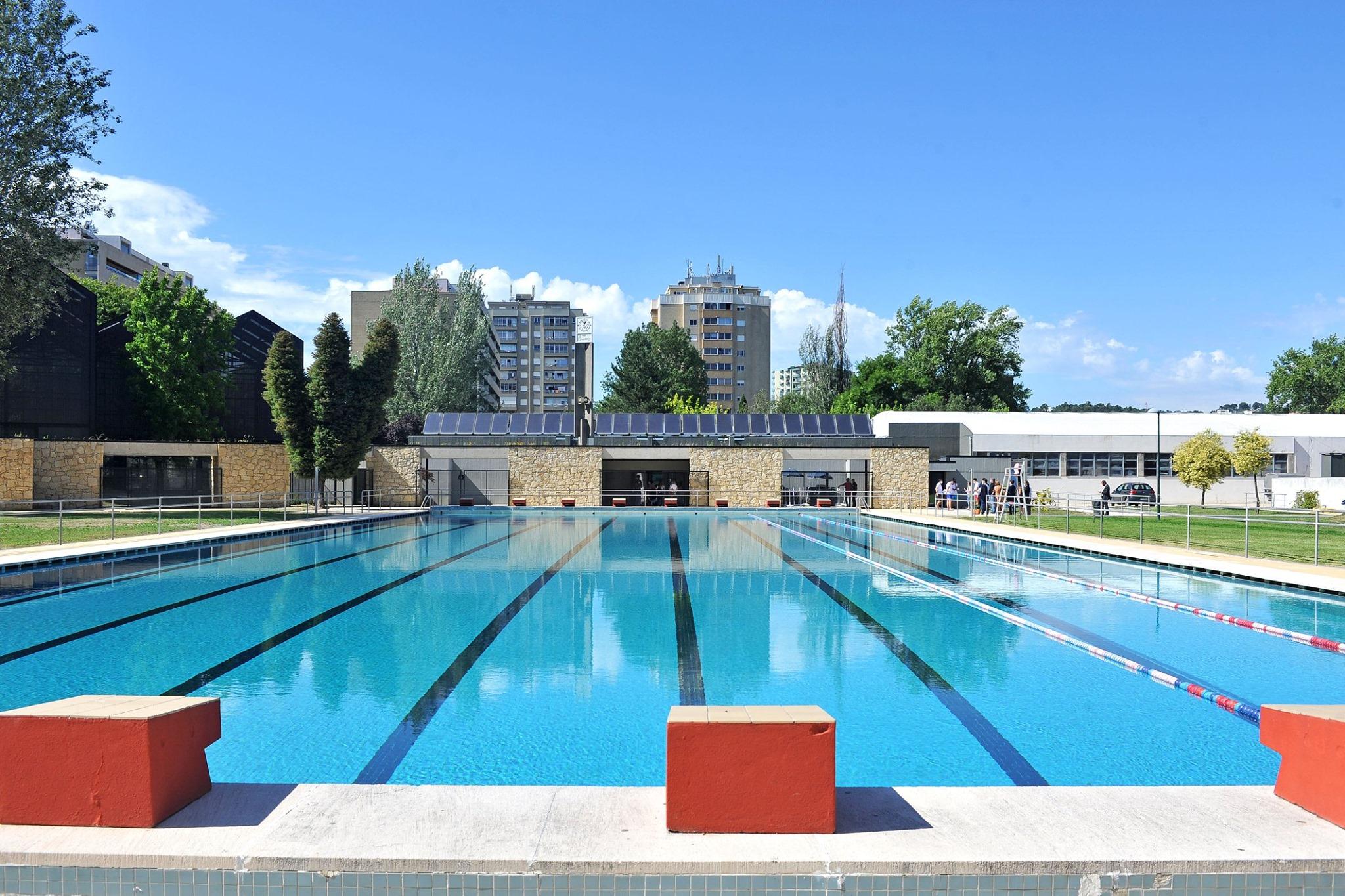 Câmara de Braga investe 1 milhão de euros no 'novo' Complexo das Piscinas da Rodovia. Piscina já reabriram