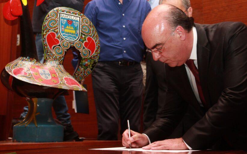 """Cronista de jornal ilibado por chamar """"pito-mor"""" e """"mentiroso"""" ao presidente da Câmara de Barcelos"""