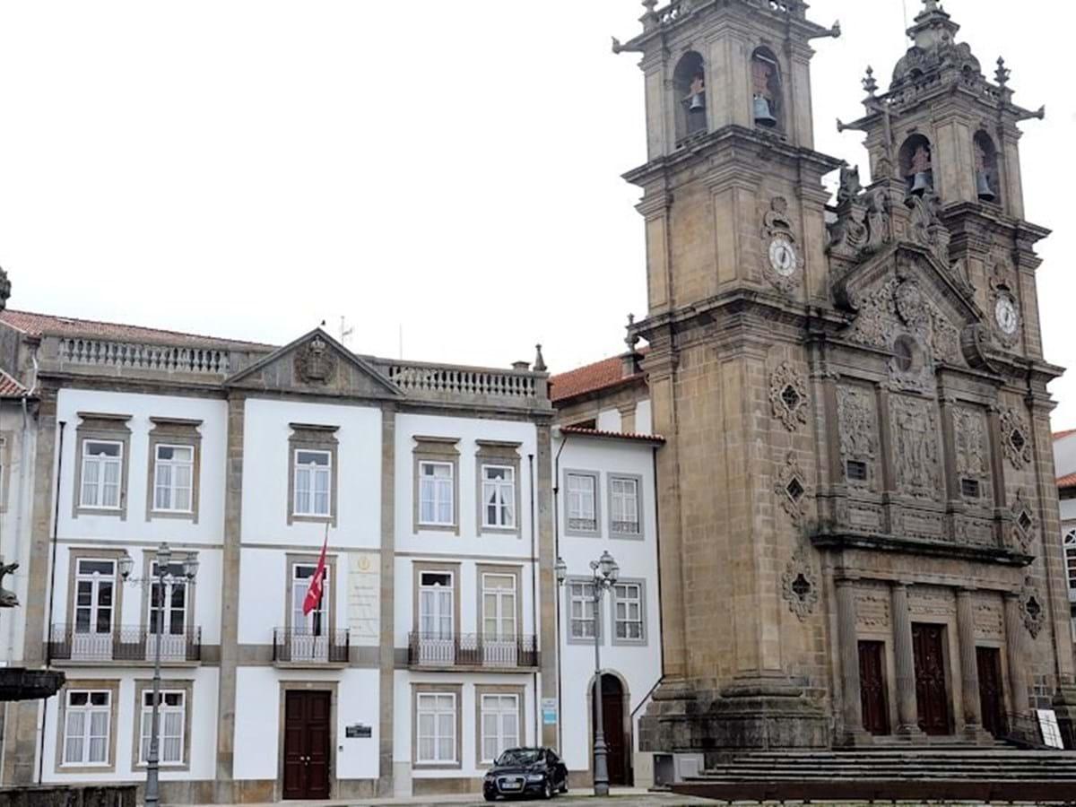 BE questiona Governo sobre cobrança de jóia para admissão de idosos na Irmandade de Santa Cruz de Braga