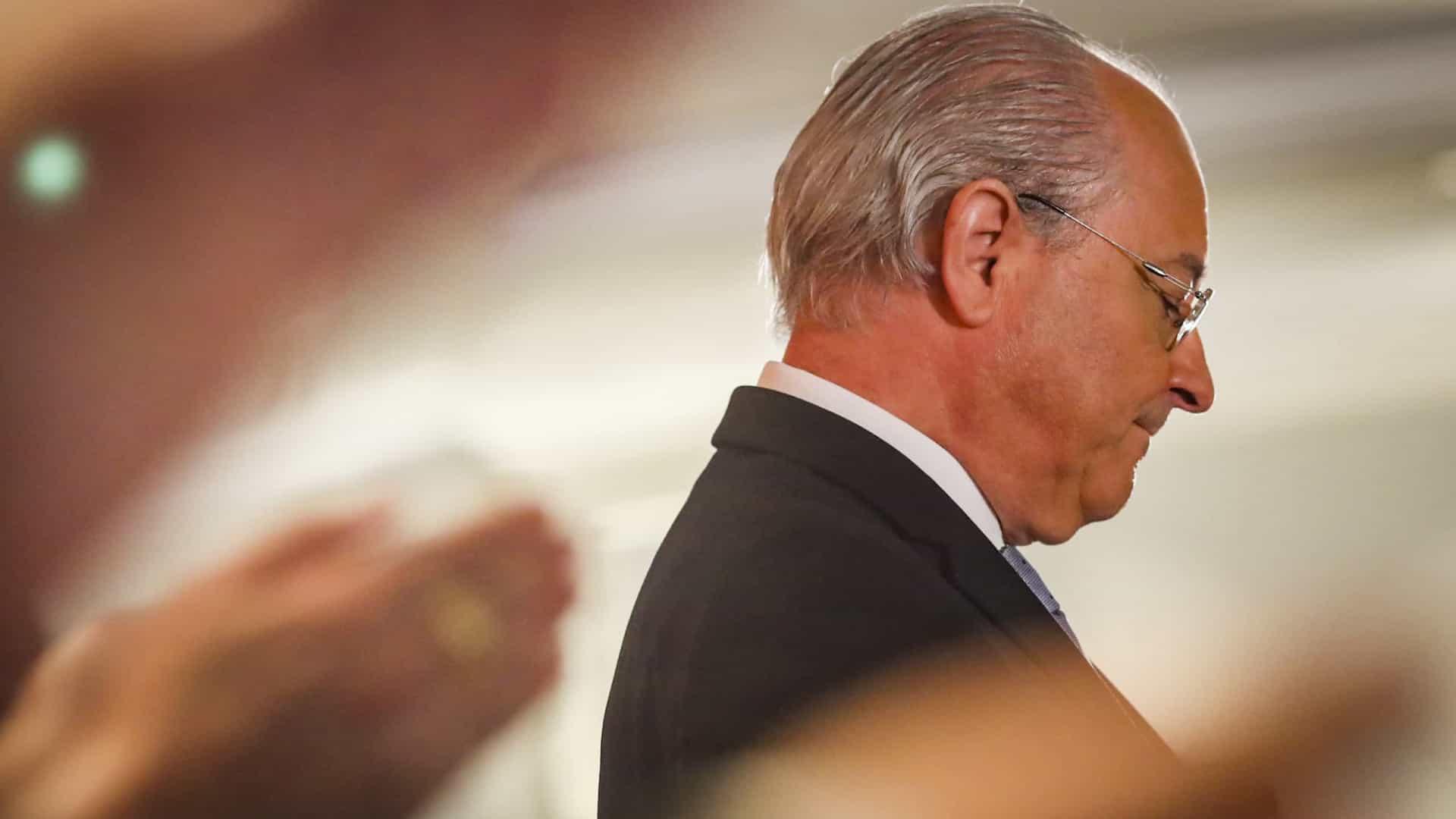 """""""O parlamento mantém-se fechado sobre si próprio e tem medo do povo"""", diz Rui Rio"""