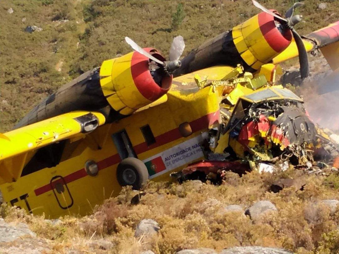 Dois feridos graves na queda do avião Canadair que combatia fogo no Gerês (c/ vídeo)