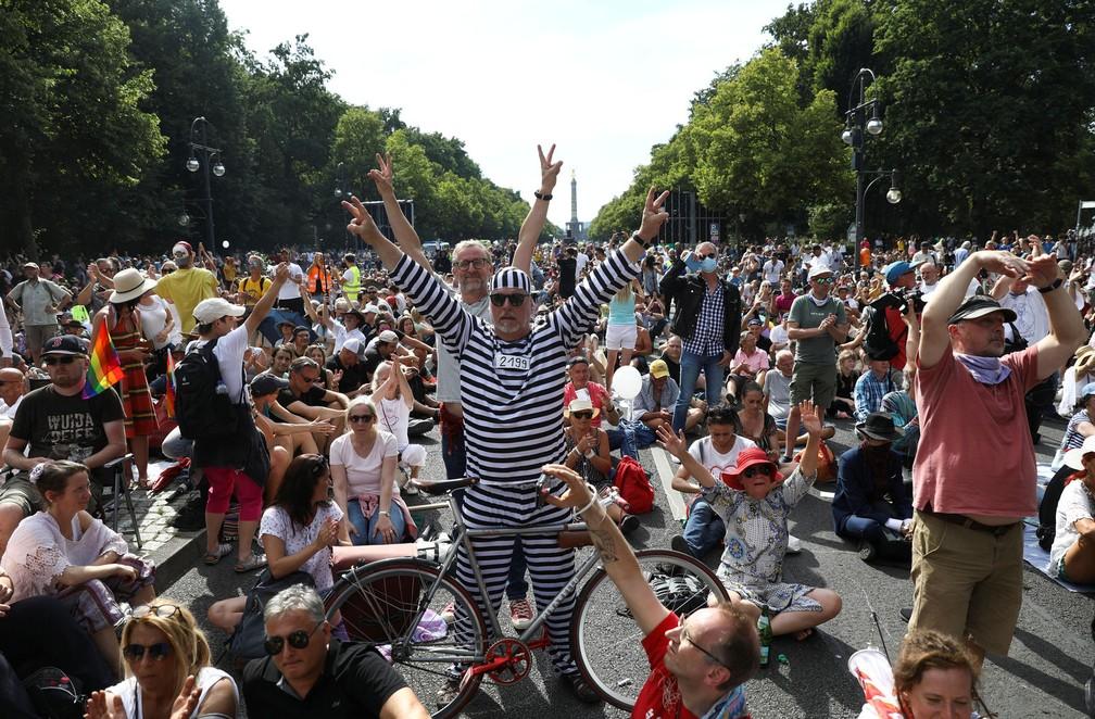 Covid-19. Manifestações em Berlim contra restrições deixam 45 polícias feridos