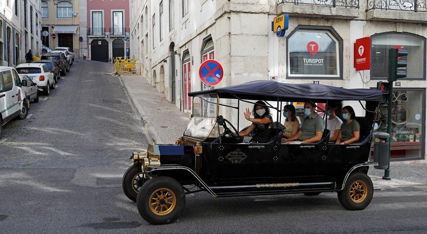 Mais três mortos e 244 novos casos de covid-19 em Portugal. Norte somas mais 83 infectados no Norte