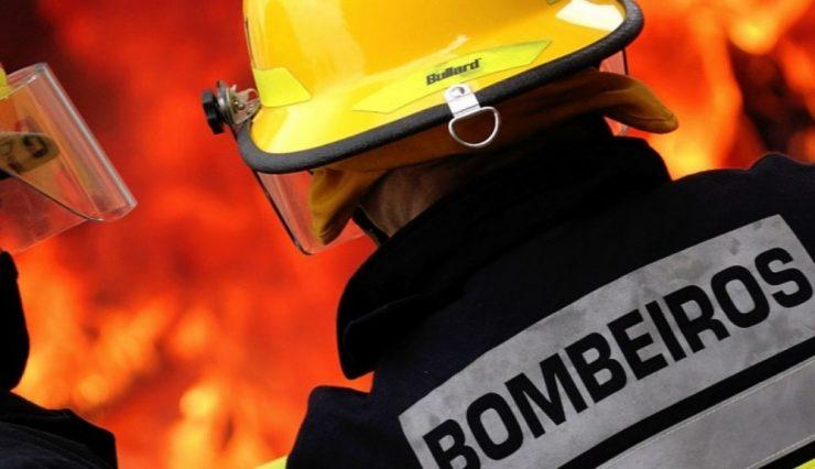Incêndio destrói habitação de emigrantes em Valença