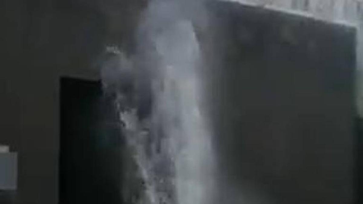 Rebentamento de conduta de água danifica casa e carro em Famalicão (c/vídeo)