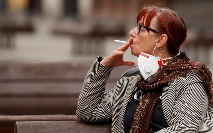 Galiza anuncia proibição de fumar na rua ou nas esplanadas para limitar riscos de contágio