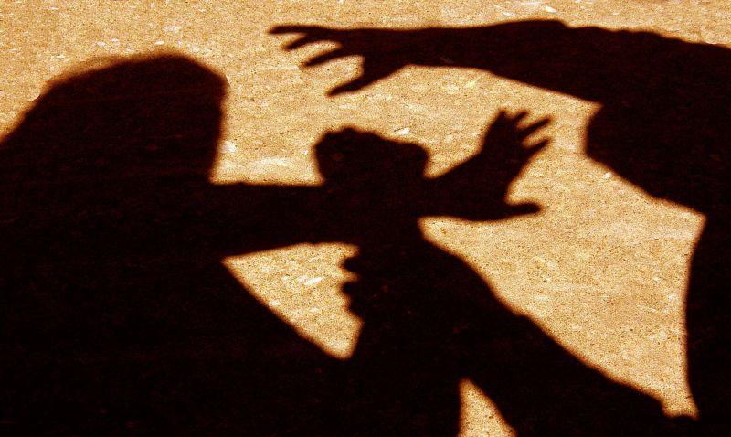 Empurrões e bofetadas aos pais atiram homem para a cadeia em Braga