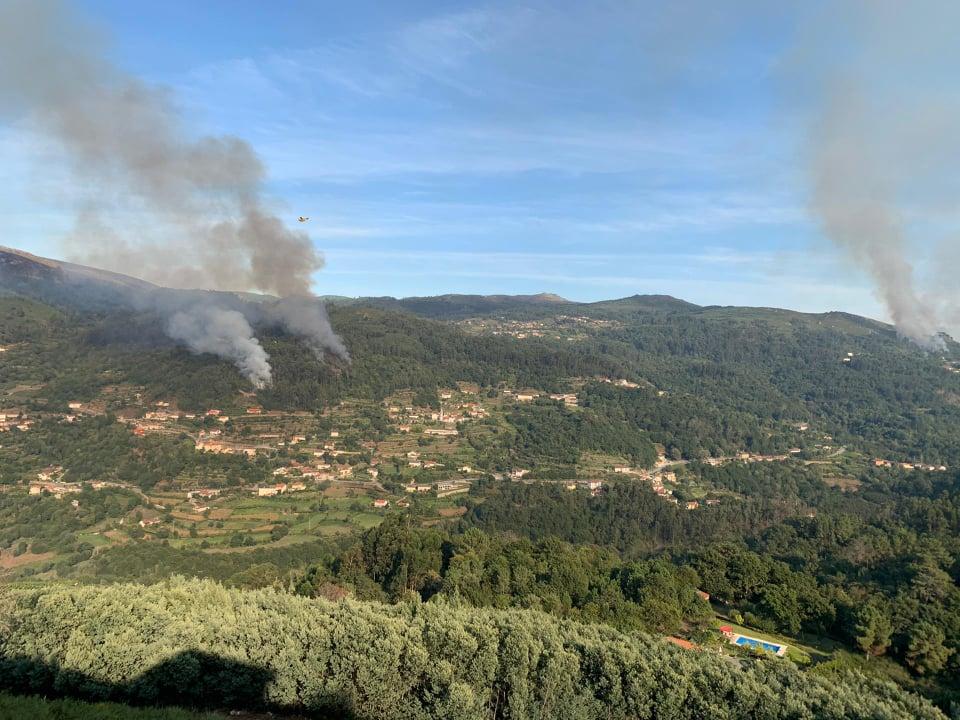Incêndio em Vila Verde mobiliza 112 homens e dois meios aéreos
